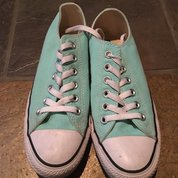 Women s converse size 7 in sea foam green dcab912e7